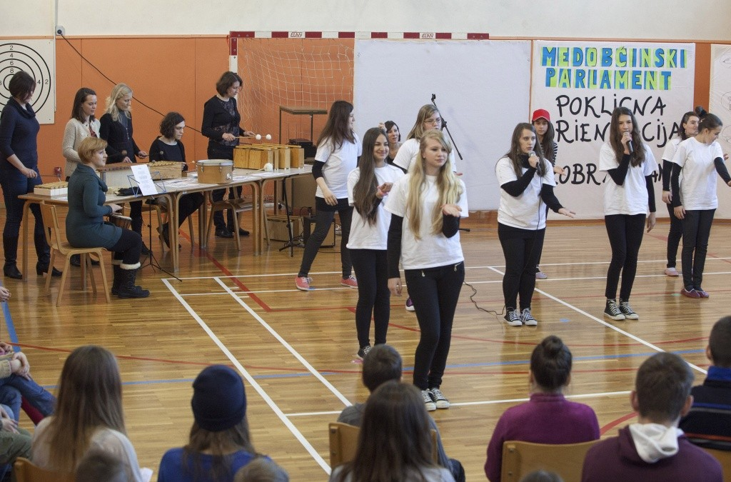 Osnovna šola Roje gostila medobčinski otroški parlament – Poklicna orientacija in izobraževanje